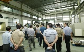 参观恒力液压工厂