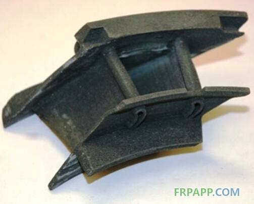 """四、新型材料彻底改变金属结构制造体系 新型铝合金产品化为新一代航空装备减重、降本做出贡献。洛克希德 马丁使用一种名为""""Beralcast""""的材料降低了F-35制造成本,该材料是一种铍铝合金,刚度是铝的4倍,而质量只有其1/5,预计该材料及其快速、高产的制造工艺将带来30%~40%的成本降低。德国MTU发动机公司为普惠公司齿轮风扇发动机(GTF)开发的新型钛铝合金于2015年12月取得适航认证,该合金结合了镍金属和陶瓷材料的优点,用于涡轮叶片设计可比现有镍合金组件轻一半,极大优化涡轮"""